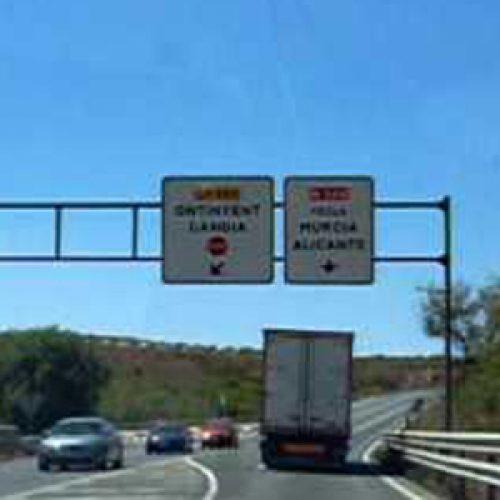 Dos morts en un xoc entre vehicles a Font de la Figuera