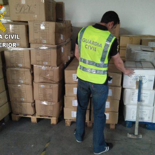 5 detinguts per robar 60.000 euros en productes tèxtils