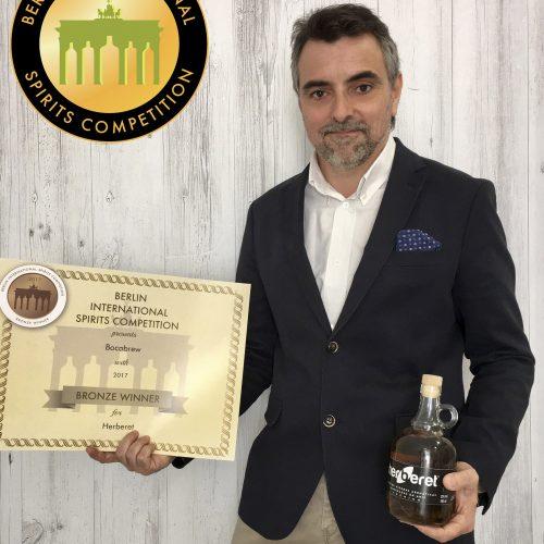 Europa reconeix l'Herberet com un dels millors licors del món