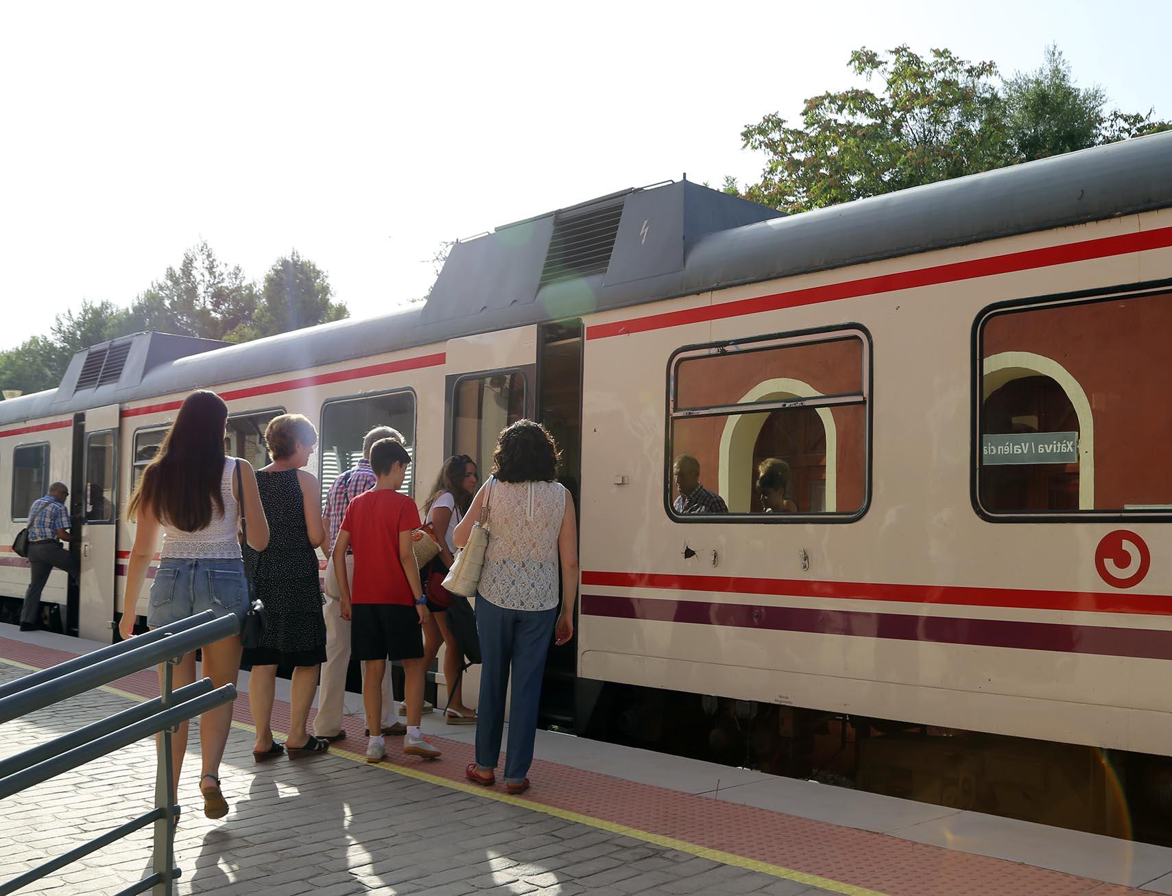 Dos mesos després, el tren torna a Ontinyent El Periòdic d'Ontinyent - Noticies a Ontinyent