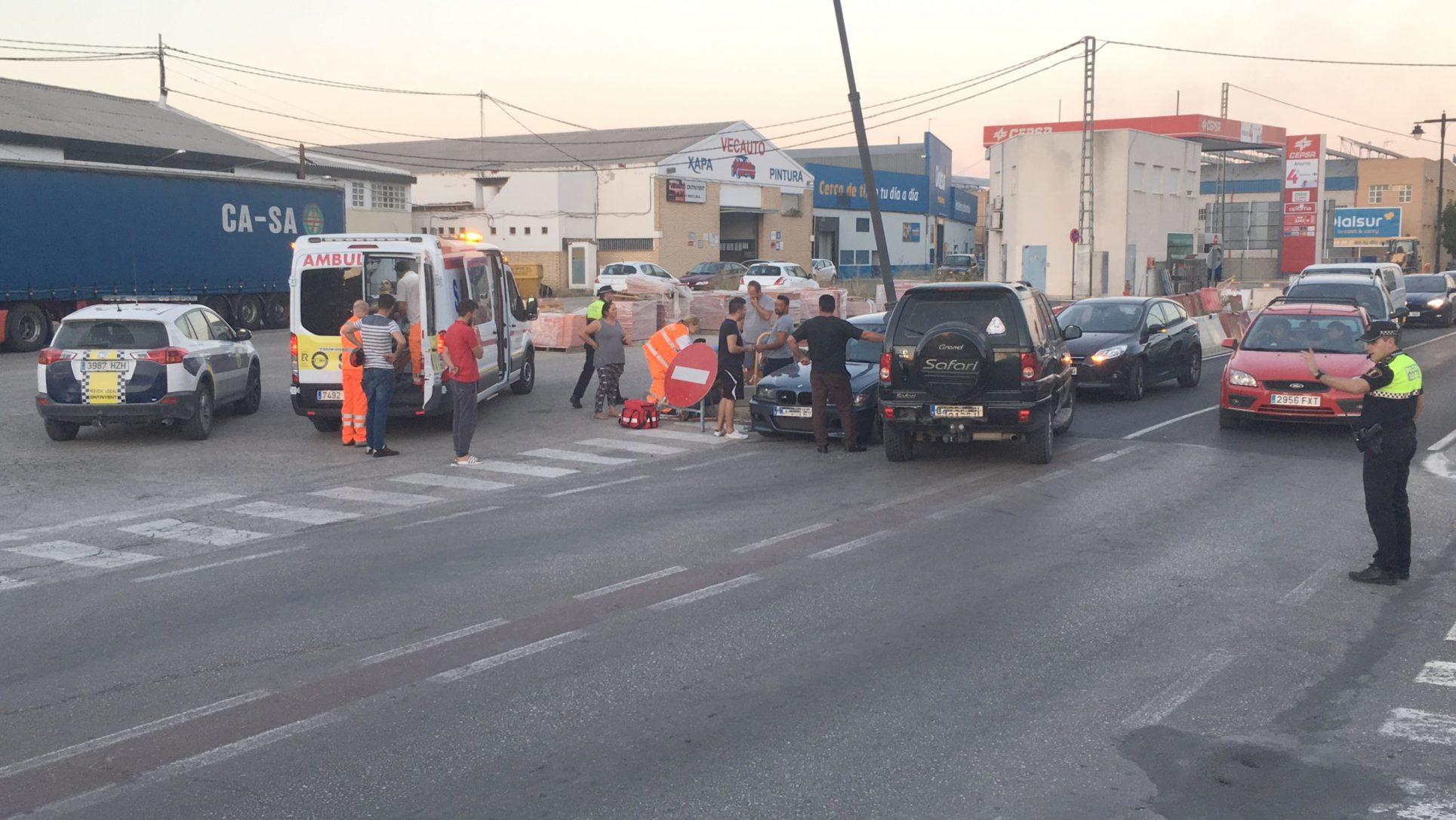 Accident amb ferits a l'Avinguda del Tèxtil El Periòdic d'Ontinyent - Noticies a Ontinyent