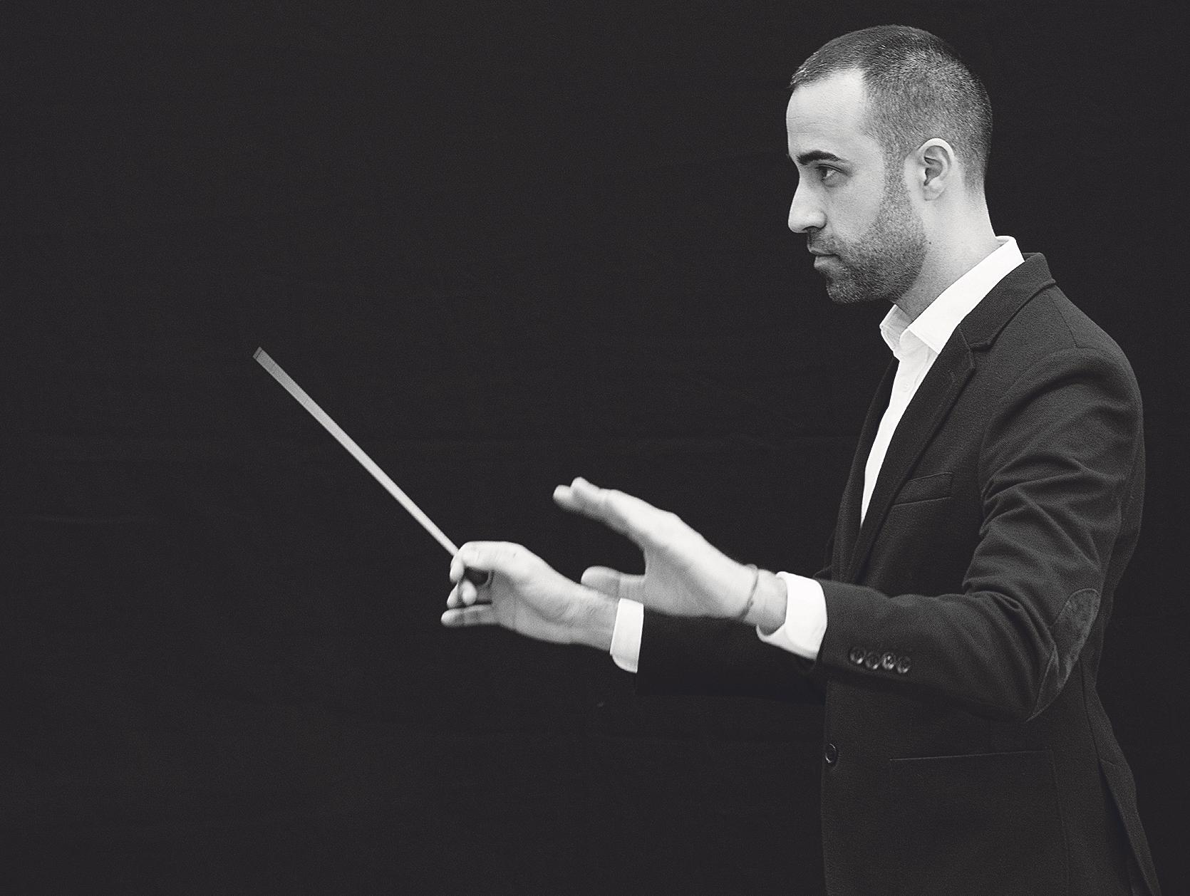 Saül Gómez assumeix la direcció de la Jove Banda Simfònica El Periòdic d'Ontinyent
