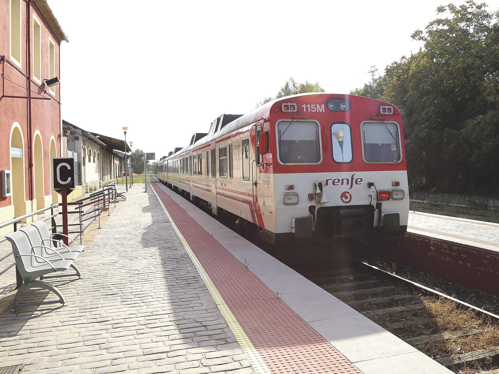 Ni un euro per a modernitzar la línia de tren fins a 2021 El Periòdic d'Ontinyent
