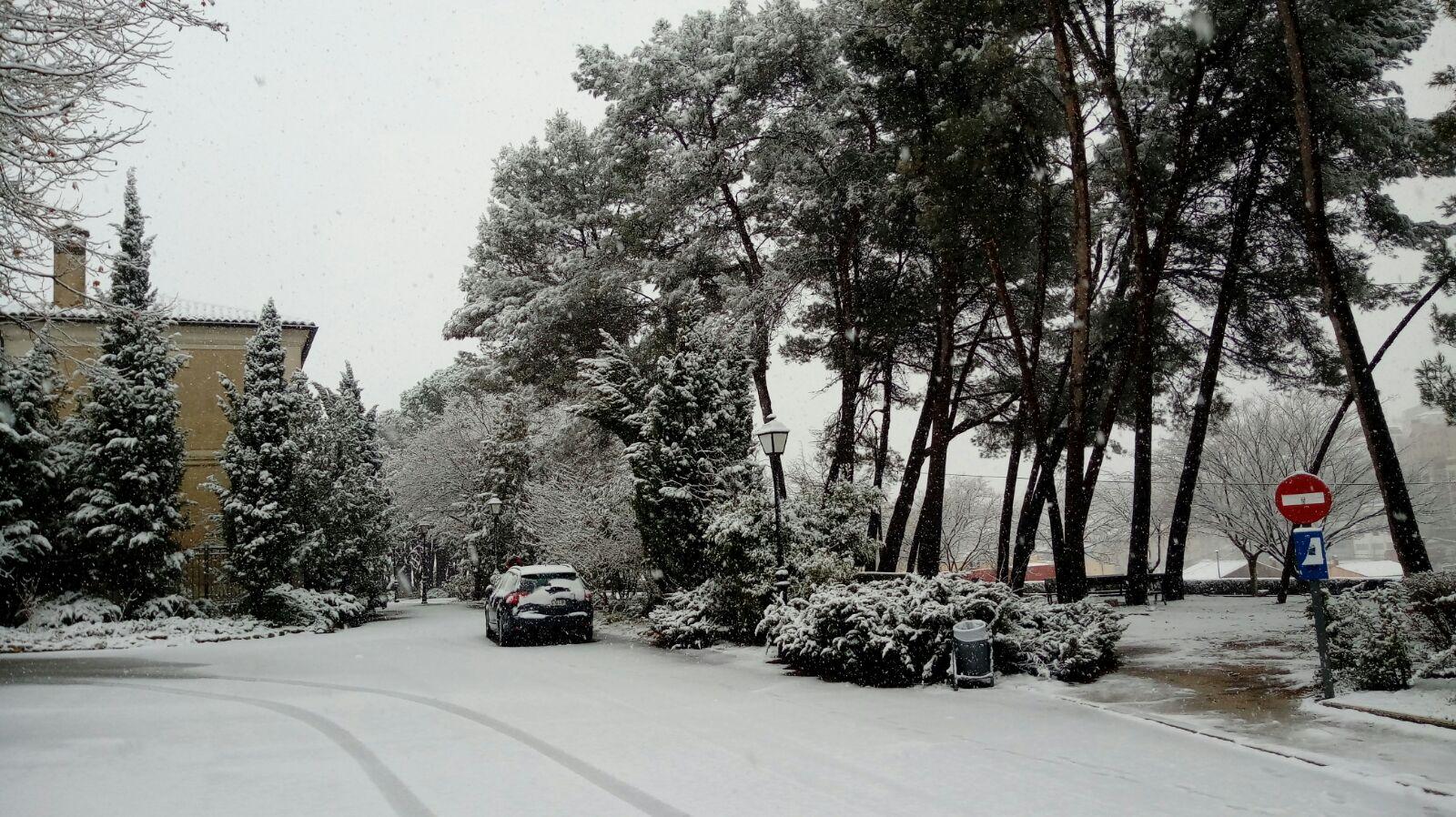 Rodejats de neu i atents al que vindrà El Periòdic d'Ontinyent