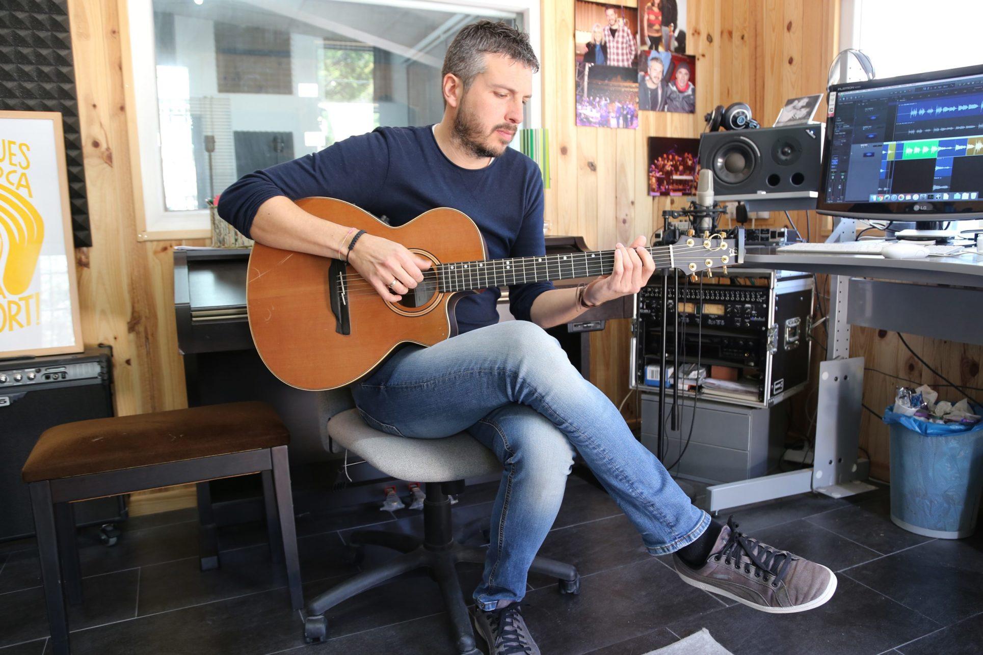 Andreu Valor elegeix Ontinyent per presentar el seu nou disc 'Poemitza't' El Periòdic d'Ontinyent