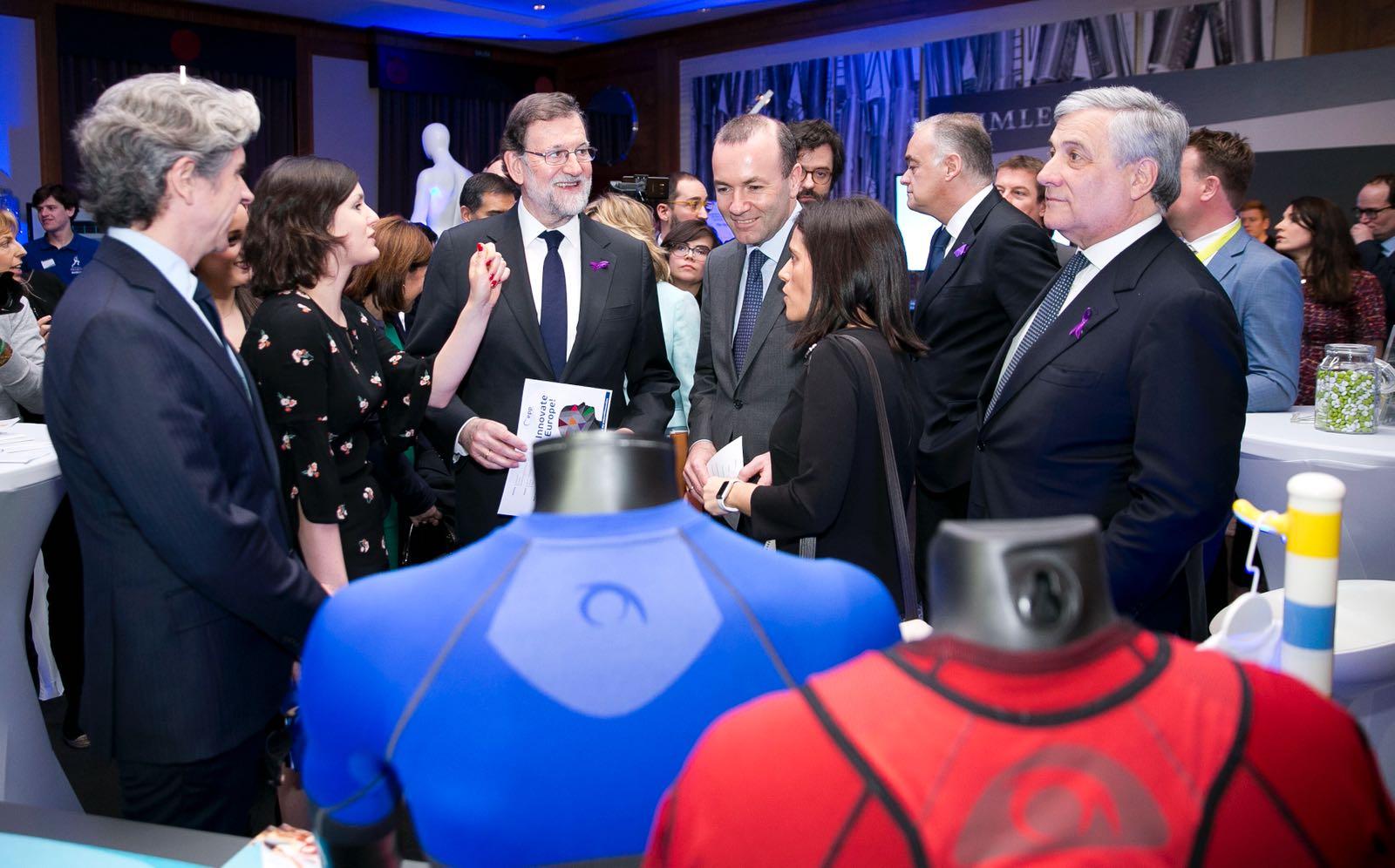 El President del Govern coneix de prop el tèxtil innovador de la Vall d'Albaida El Periòdic d'Ontinyent