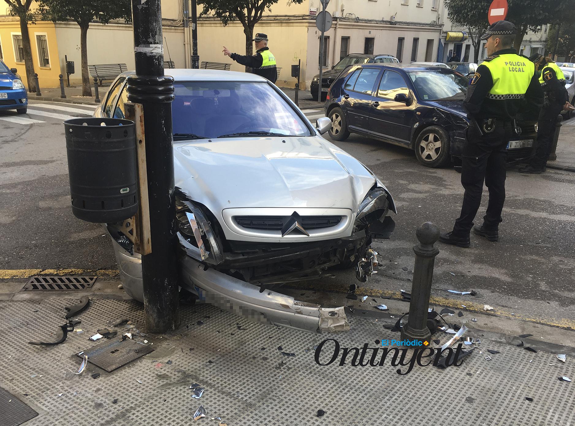 Aparatós accident al carrer Manuel Simó Marín El Periòdic d'Ontinyent
