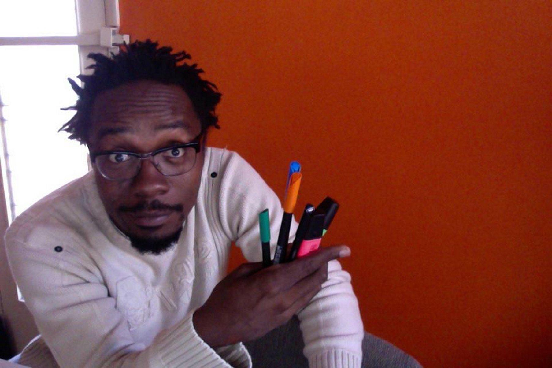 En llibertat el dibuixant guineà casat amb una ontinyentina El Periòdic d'Ontinyent - Noticies a Ontinyent