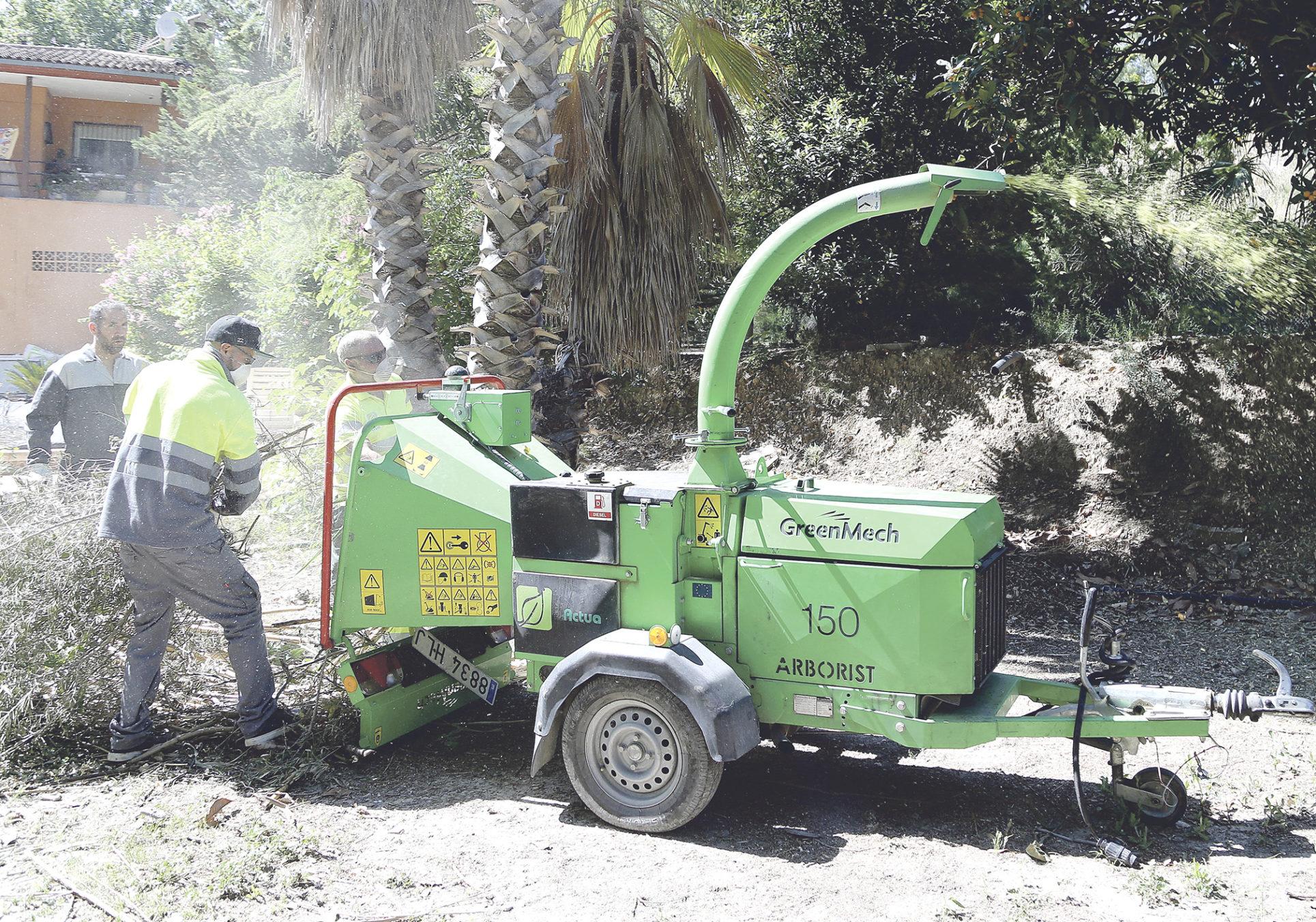 238 ontinyentins opten per triturar les restes agrícoles enfront de la crema El Periòdic d'Ontinyent