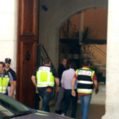 Una desena d'agents de la UDEF registren l'Ajuntament amb Jorge Rodríguez