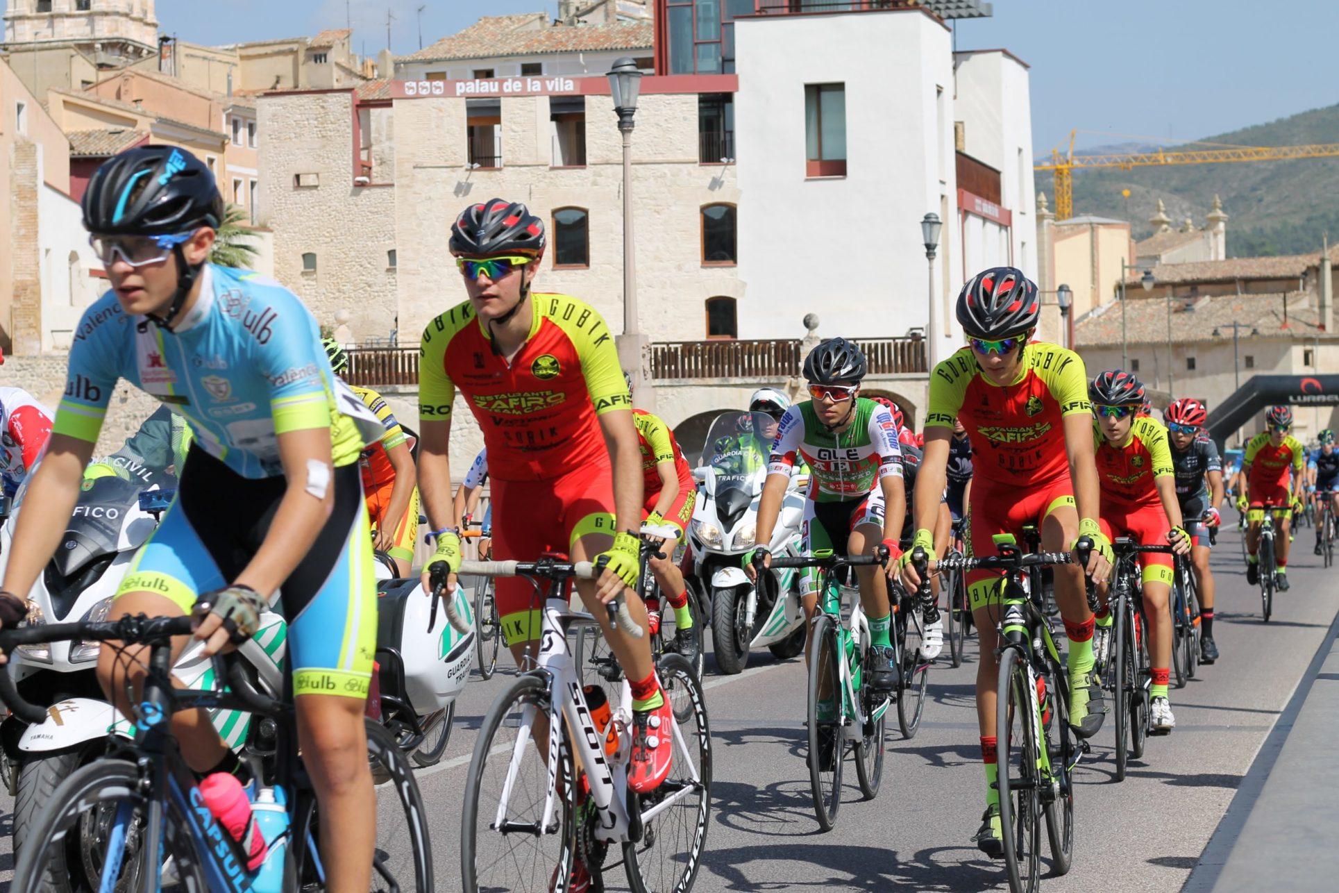 Vesprada ciclista a la ciutat d'Ontinyent El Periòdic d'Ontinyent