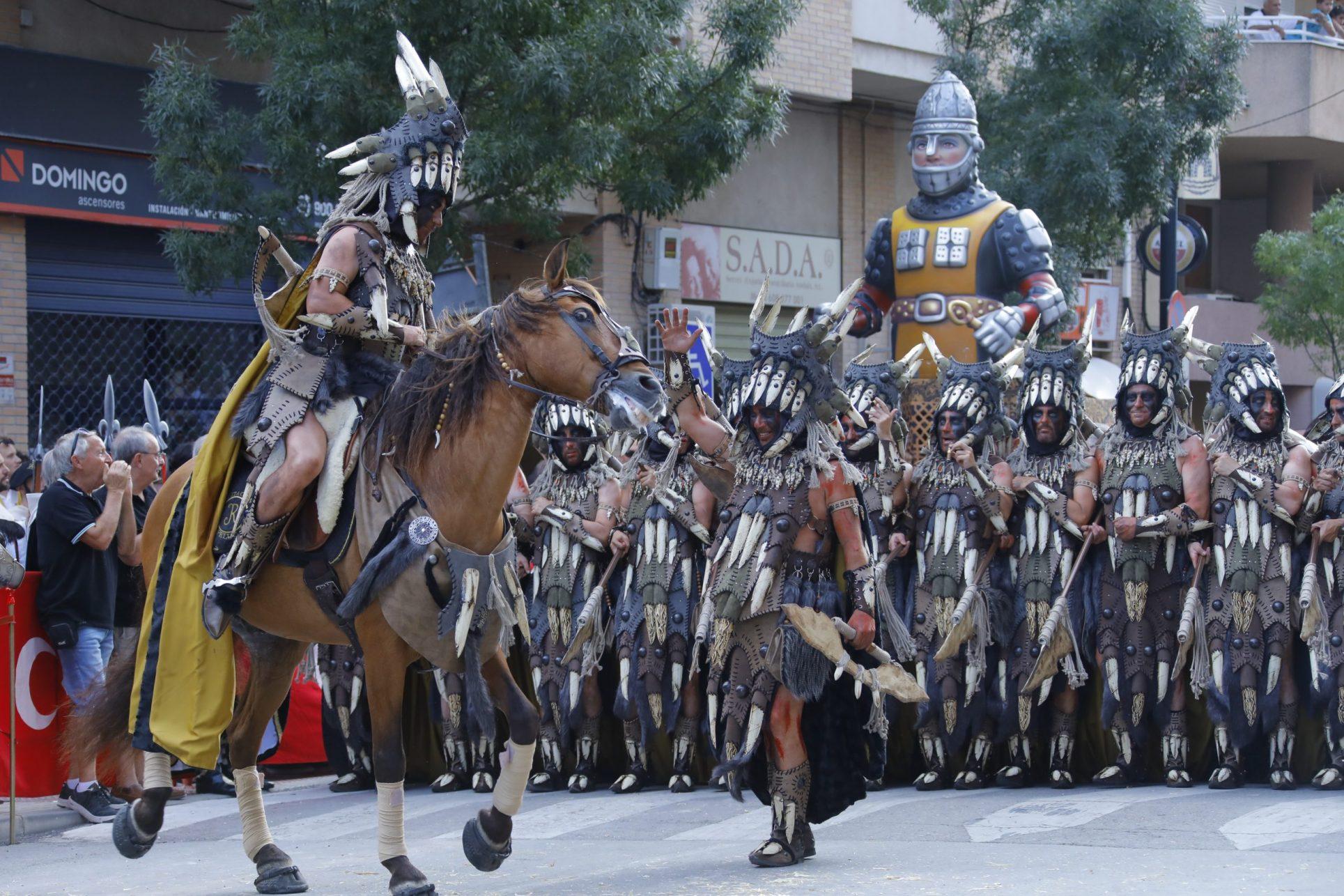 Més de 50.000 persones vibren al so de la música festera El Periòdic d'Ontinyent