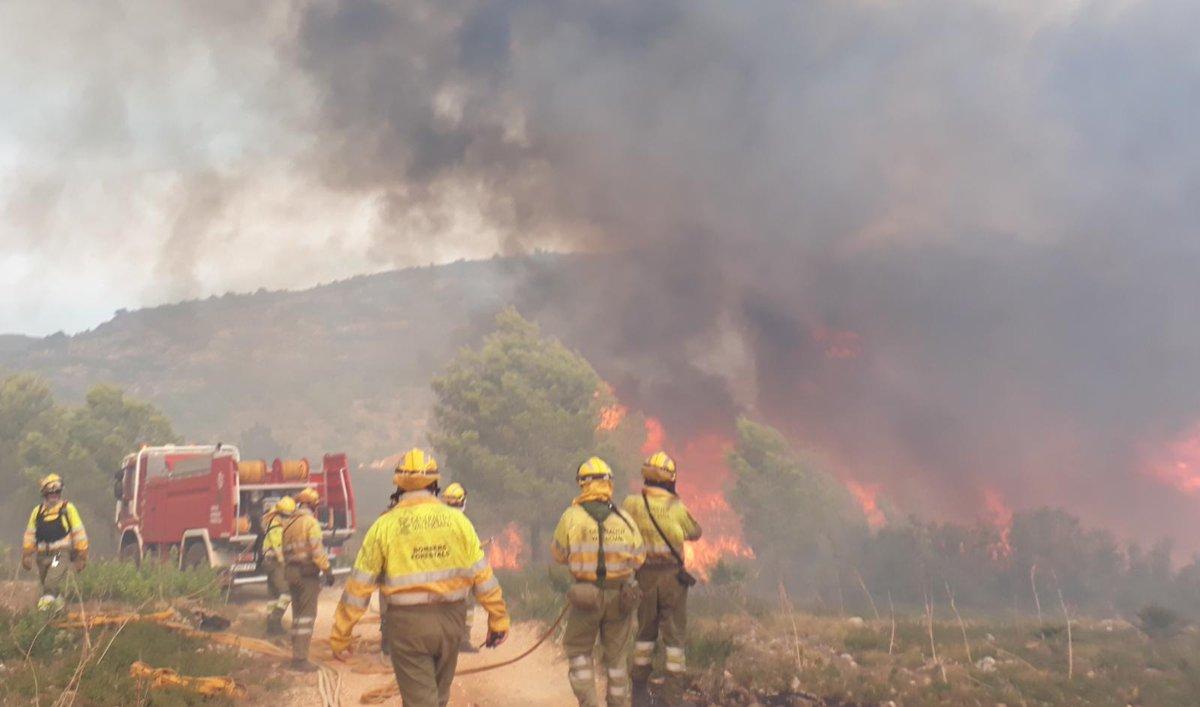 Desallotjaments preventius a Llutxent per l'incendi forestal El Periòdic d'Ontinyent