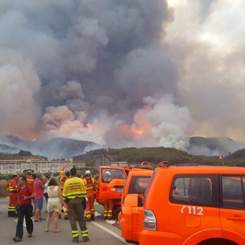 Els veïns desallotjats a causa del foc tornen a casa
