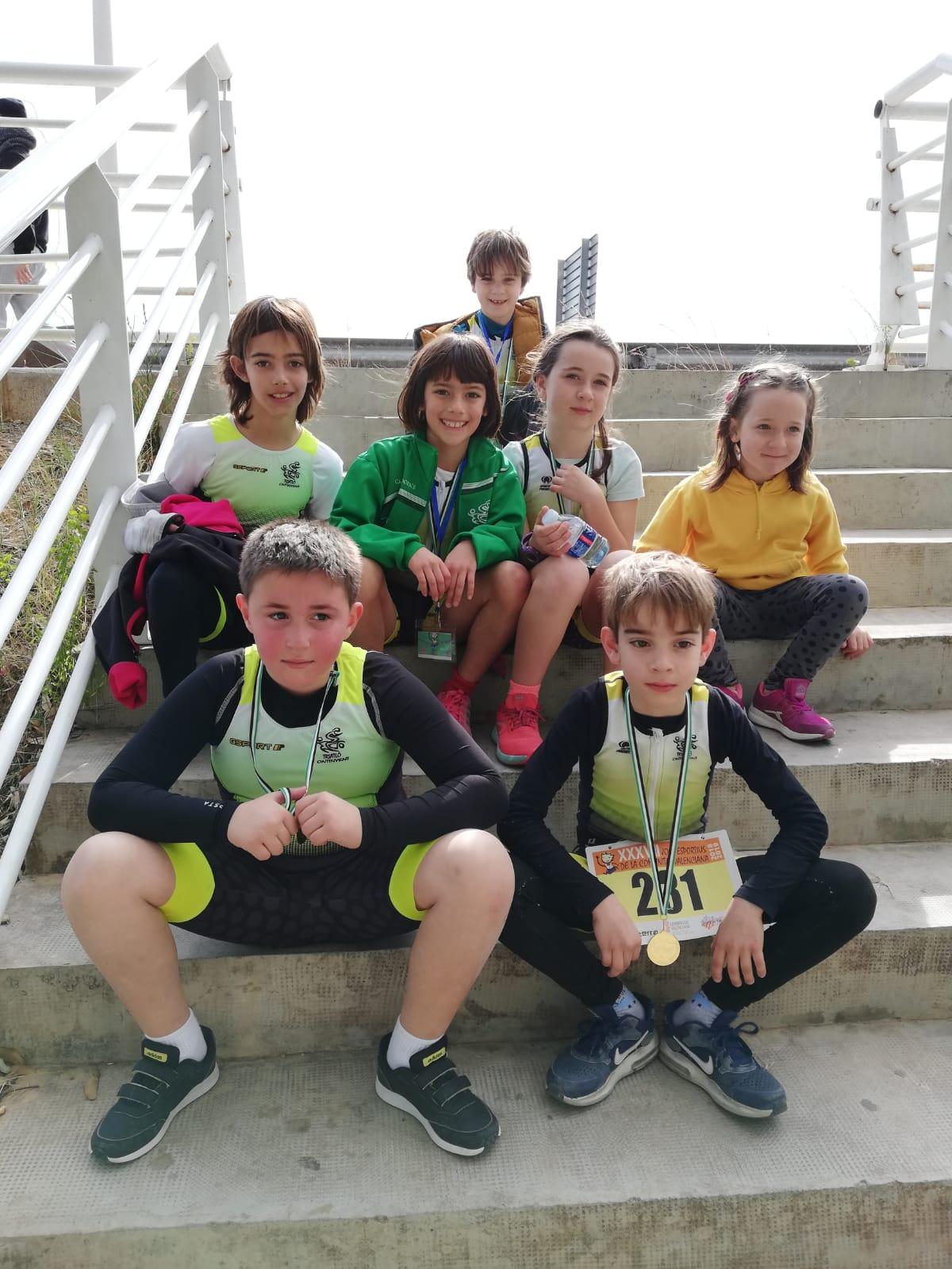 El triatletes del Club Triatló Ontinyent van gaudir d'allò més al Duatló Escolar de Carlet El Periòdic d'Ontinyent - Noticies a Ontinyent
