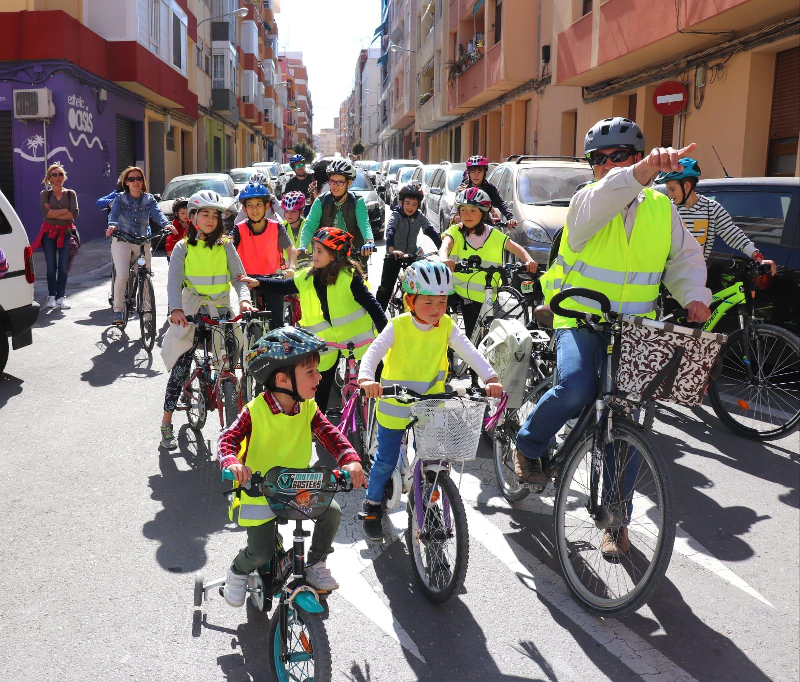 Bici-Bus, la iniciativa del Bonavista per a anar a l'escola de forma sostenible i segura El Periòdic d'Ontinyent
