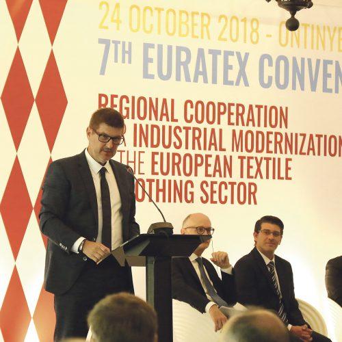 El tèxtil local es mobilitza pel temor de les cessions d'Europa al nord d'Àfrica
