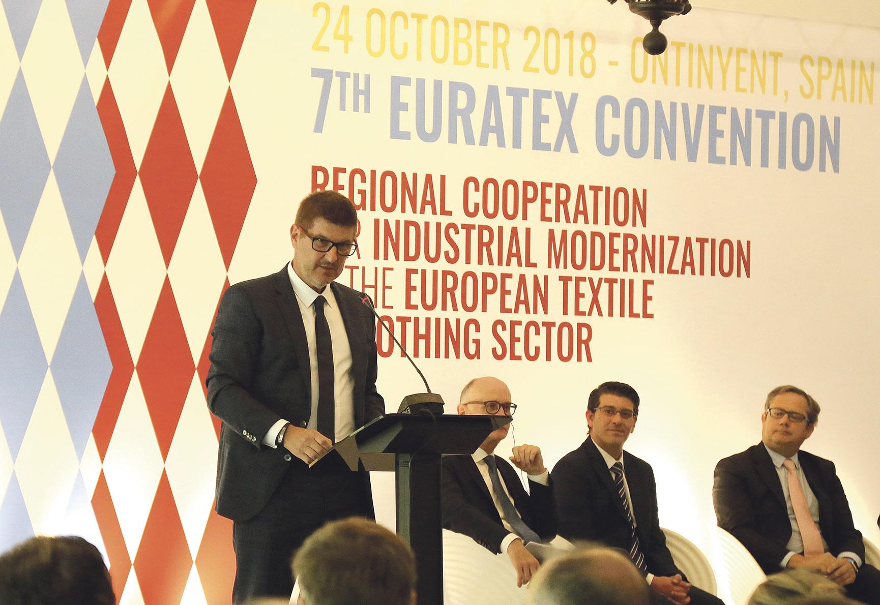 El tèxtil local es mobilitza pel temor de les cessions d'Europa al nord d'Àfrica El Periòdic d'Ontinyent