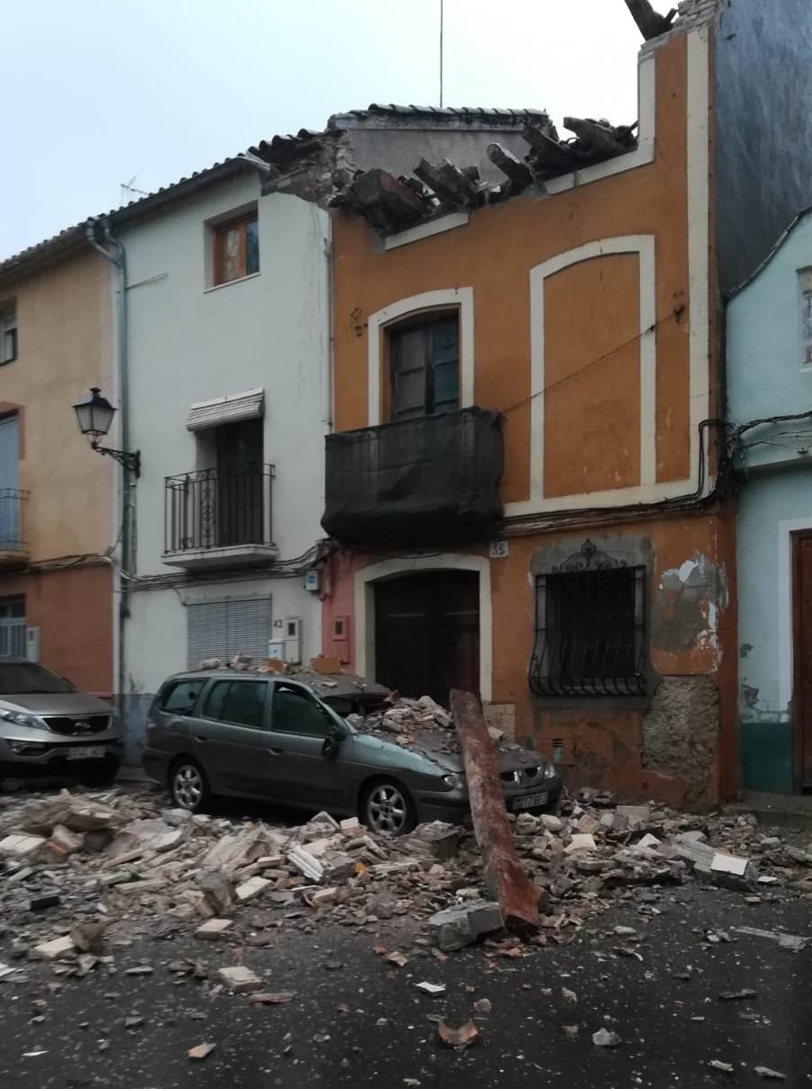 El temporal enfonsa una casa a la Cantereria El Periòdic d'Ontinyent
