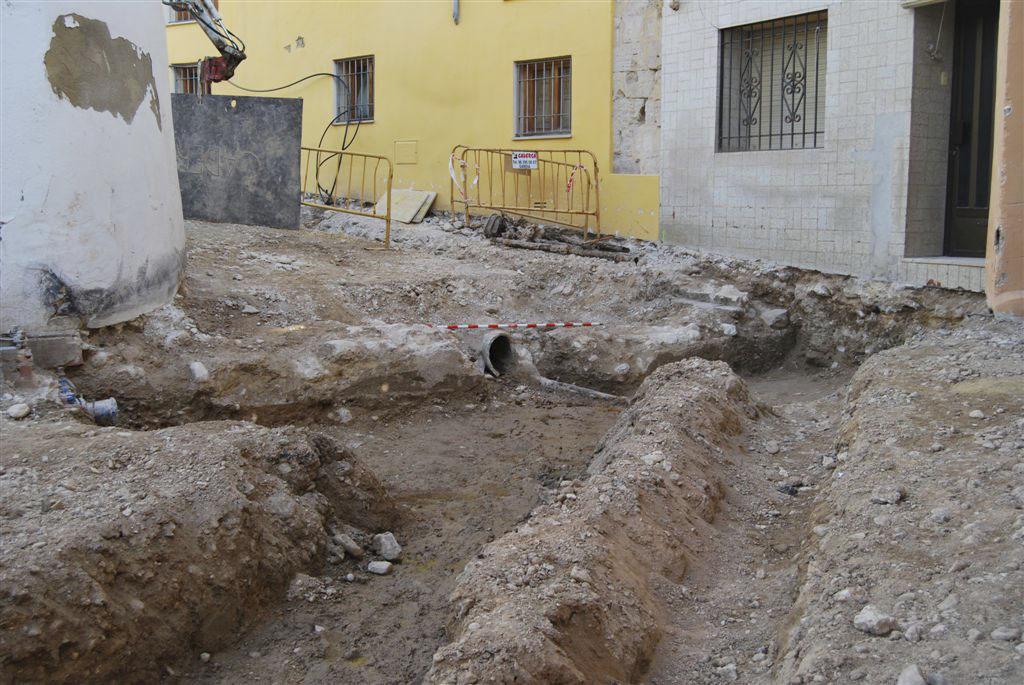 Troben les restes d'un mur a la Vila, soterrades més de 8 segles El Periòdic d'Ontinyent