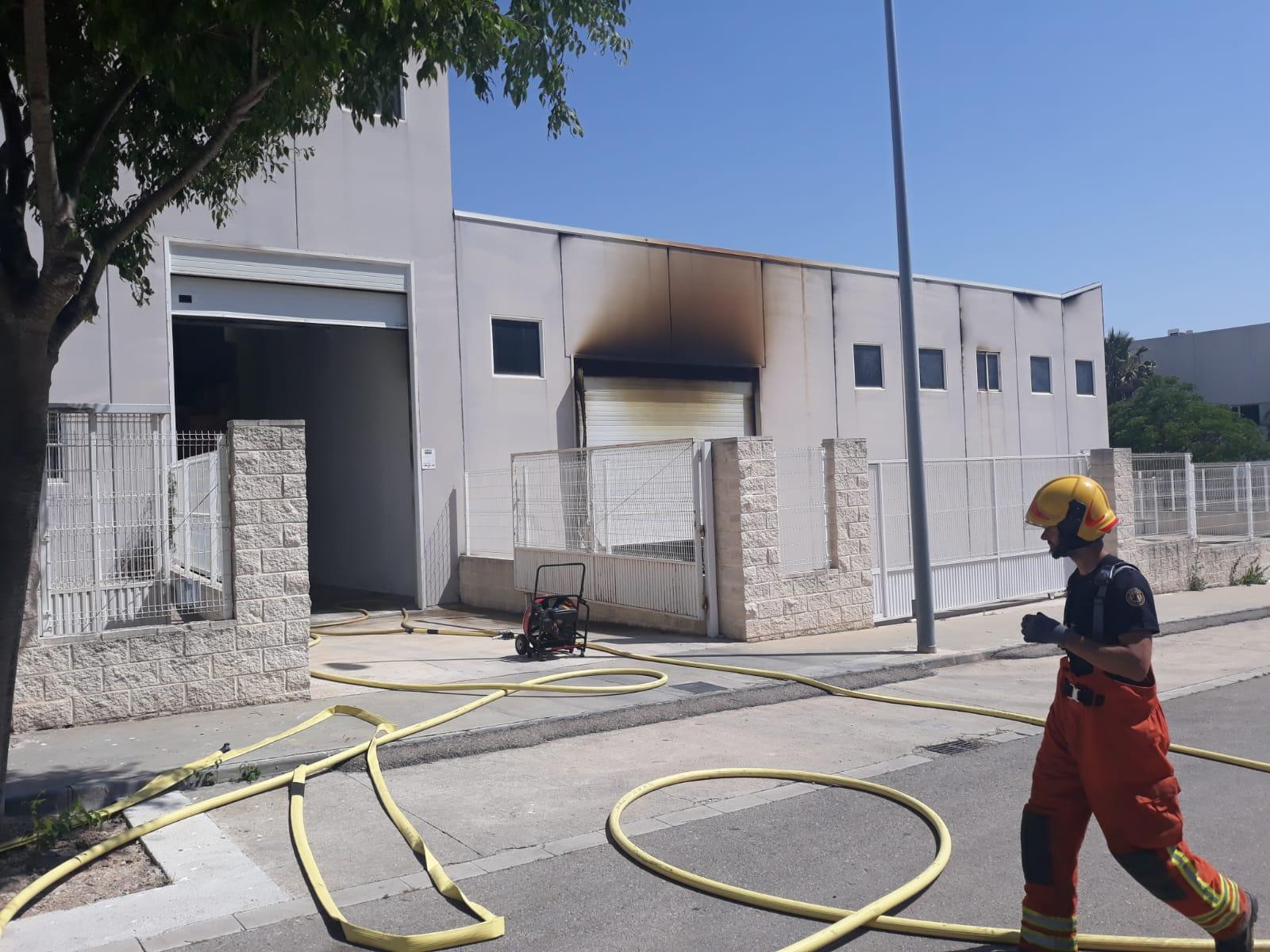 Declarat un incendi a una fàbrica en el polígon de l'Altet El Periòdic d'Ontinyent - Noticies a Ontinyent