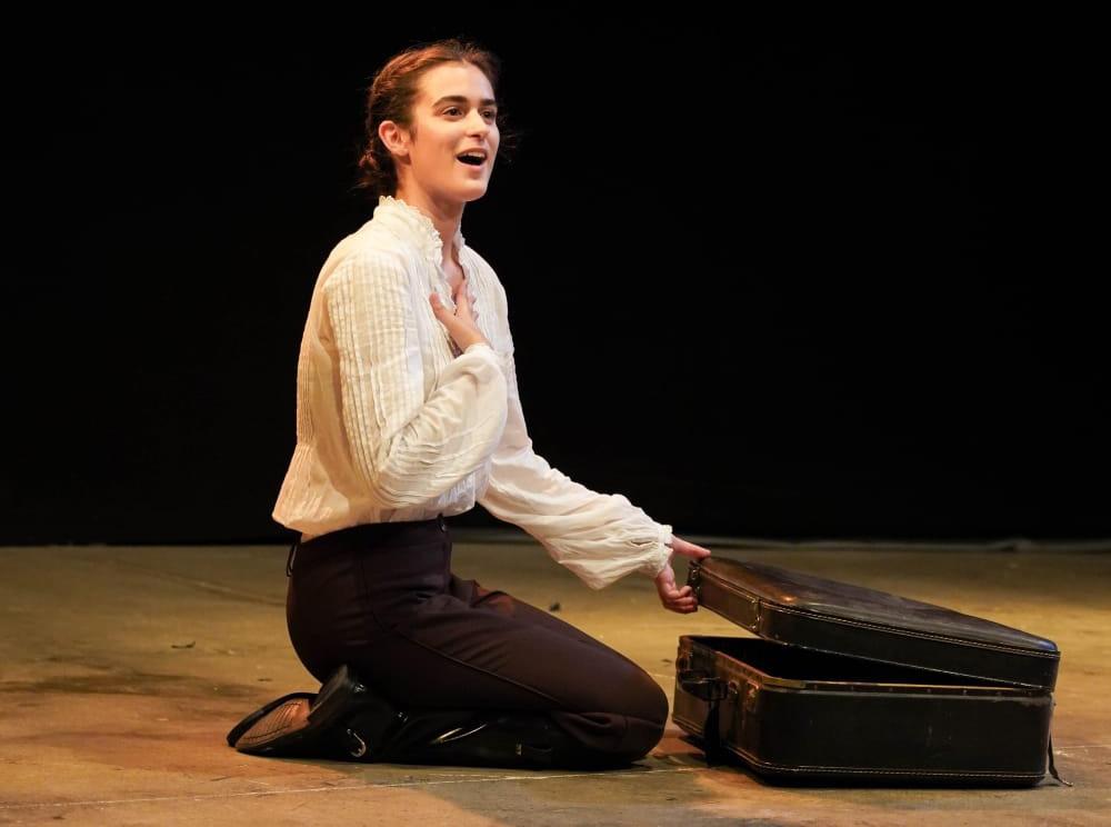 Paula Albert fa un pas més com a actriu en la Sala Off de València El Periòdic d'Ontinyent