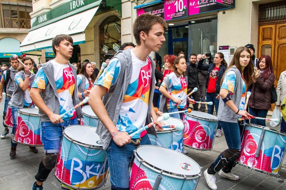 El ritme de la percussió envaeix Albaida El Periòdic d'Ontinyent