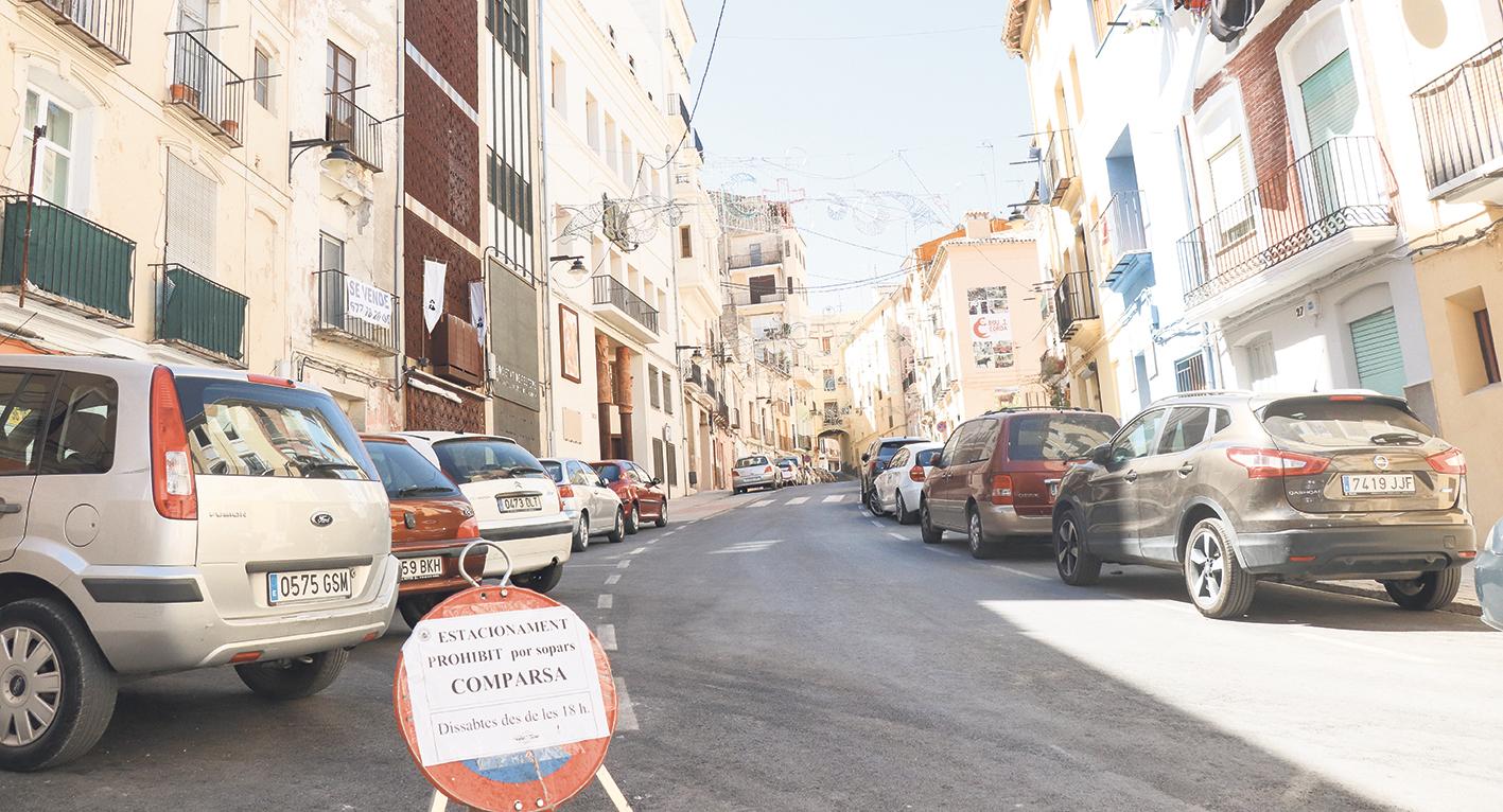 Els veïns de la plaça de Baix arriben a un acord amb Ajuntament i comparses per millorar la convivència El Periòdic d'Ontinyent