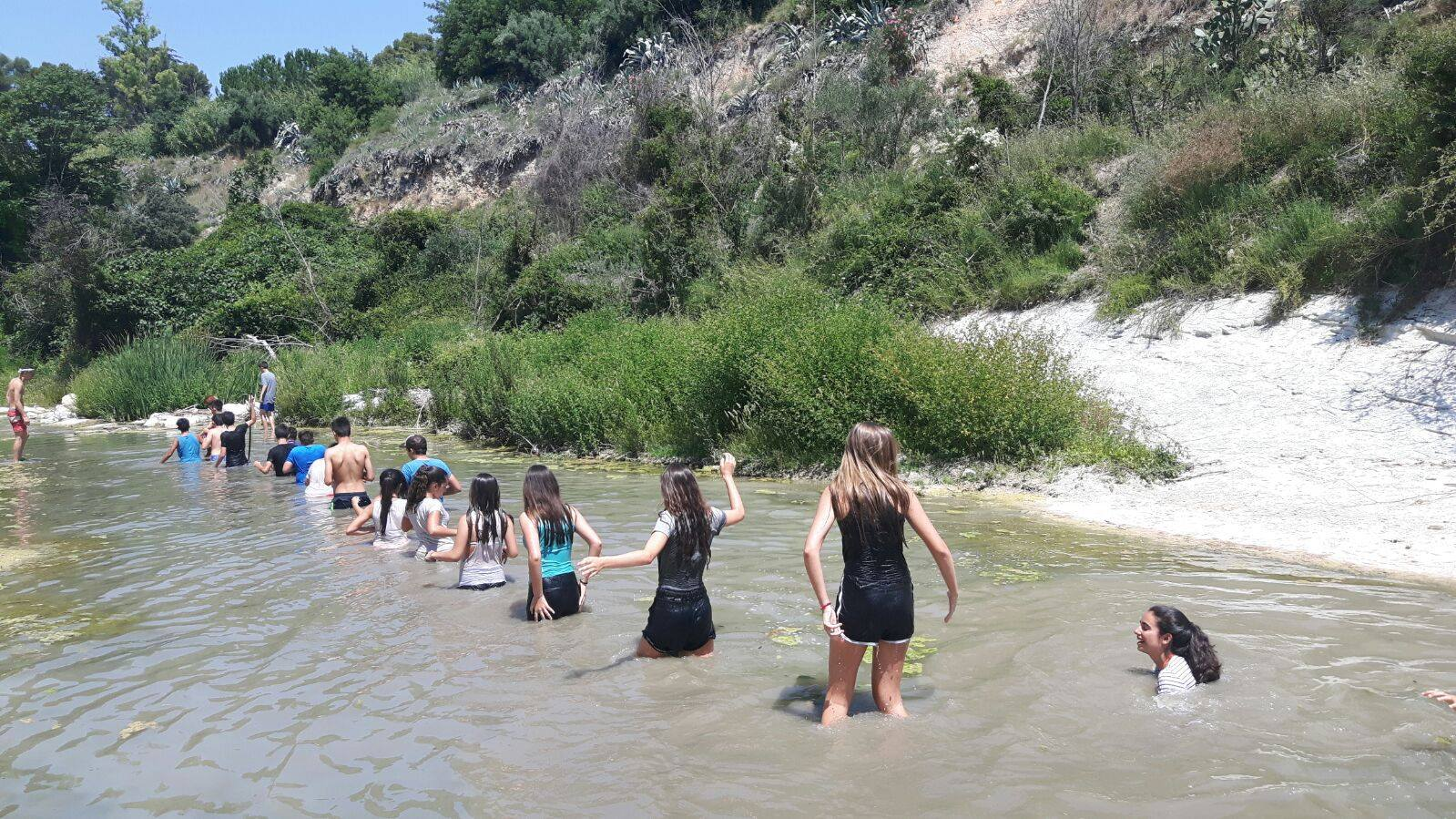 Un trekking aquàtic per a combatre la calor El Periòdic d'Ontinyent