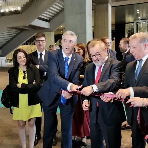 El conseller d'Economia inaugura la 5a edició de Textilhogar, consolidada en la Caja Mágica