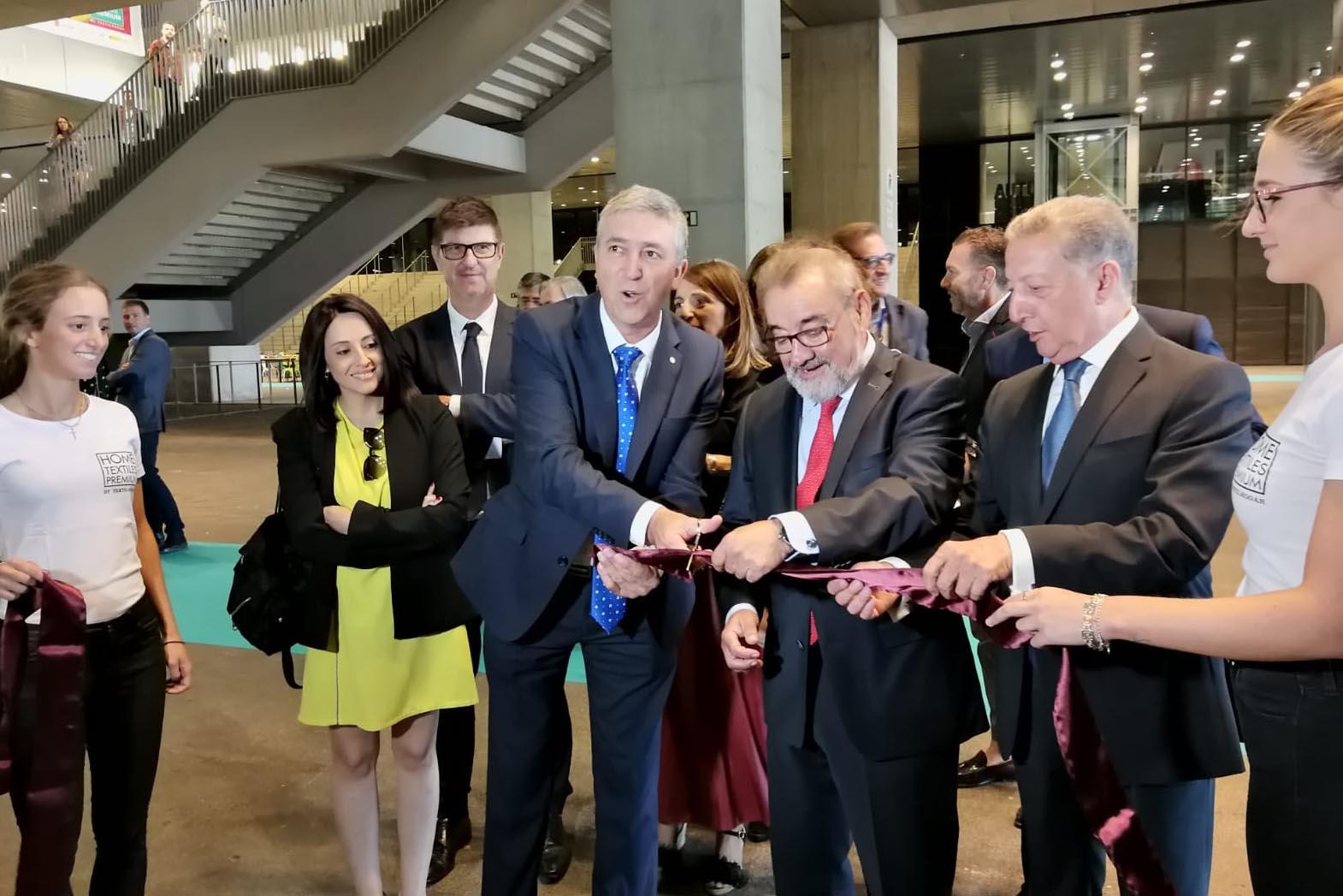 El conseller d'Economia inaugura la 5a edició de Textilhogar, consolidada en la Caja Mágica El Periòdic d'Ontinyent - Noticies a Ontinyent