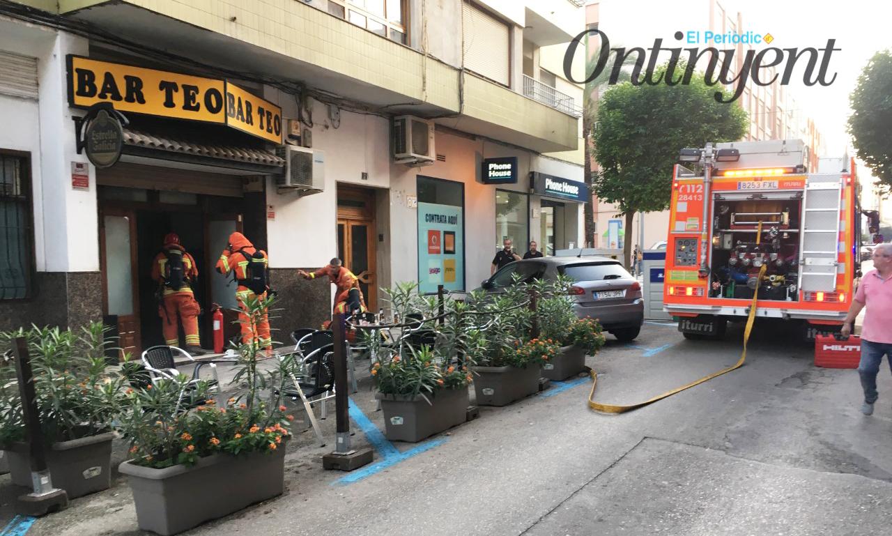 Aparatós incendi en un bar de José Iranzo El Periòdic d'Ontinyent