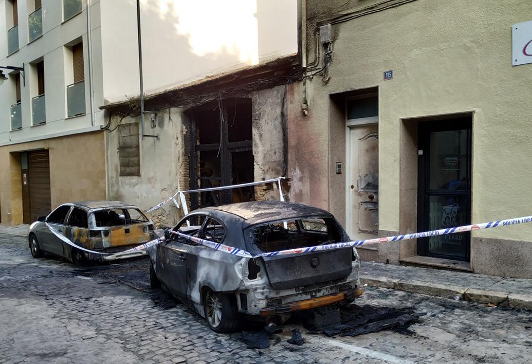 Detingut el presumpte autor de l'incendi de tres vehicles a Sant Antoni El Periòdic d'Ontinyent