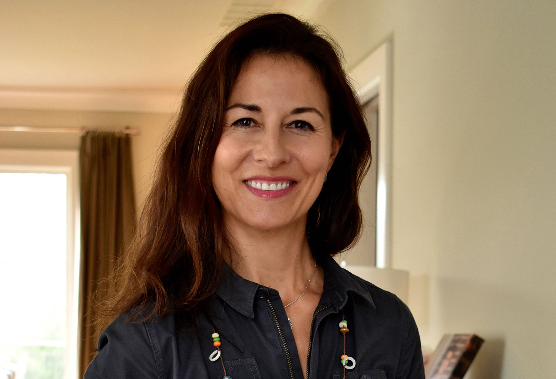 Natacha Sanz publica una novel·la sobre la 1a volta al món El Periòdic d'Ontinyent