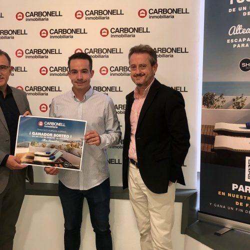 Francisco Albiñana guanya el sorteig de la 'Inmobiliaria Carbonell'