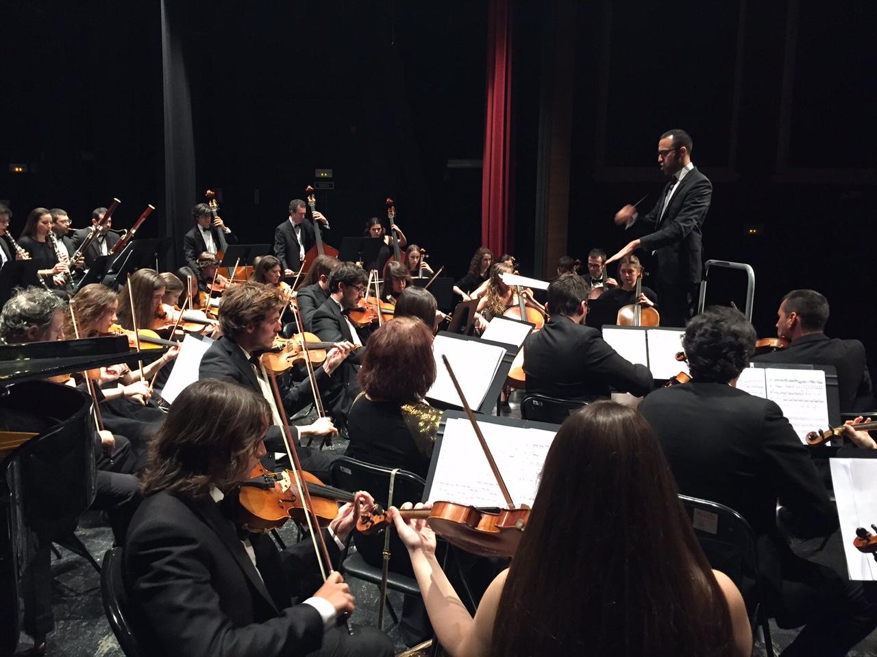 Xavier Gagnepain dirigeix l'Orquestra Simfònica Caixa Ontinyent El Periòdic d'Ontinyent - Noticies a Ontinyent