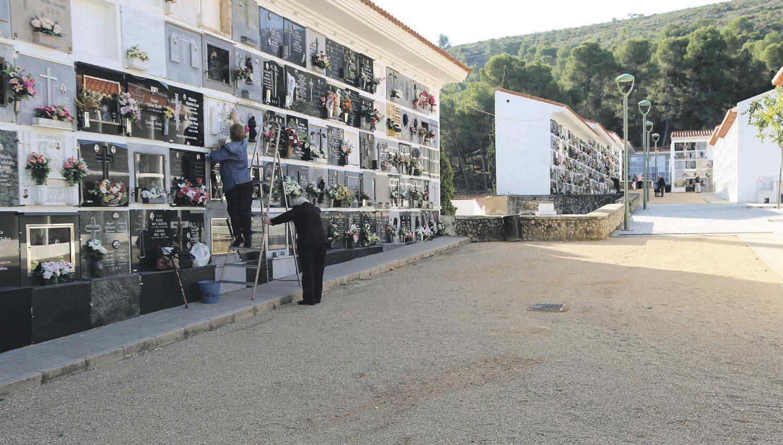 Horaris especials per al cementeri i transport El Periòdic d'Ontinyent