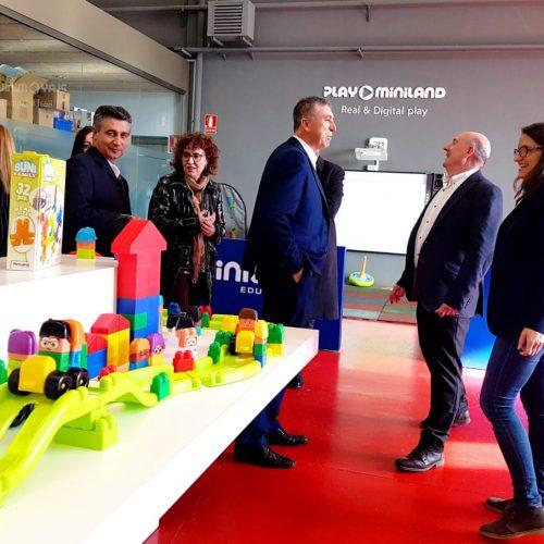 Oltra i Climent ofereixen el seu suport a les empreses valencianes en la Fira Mundial del Joguet