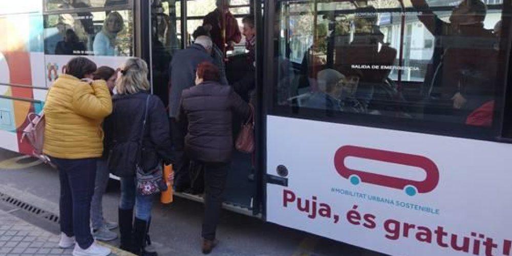 Un vecino de Ontinyent lleva 42 días dando vueltas en el autobús gratuito
