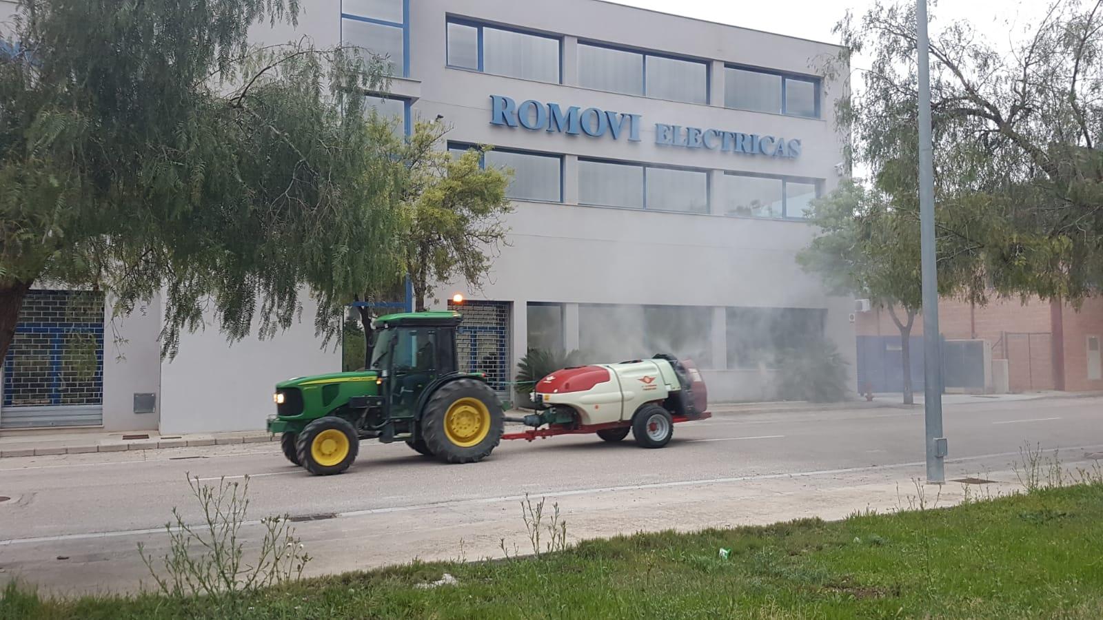 8 tractors desinfecten camins i polígons d'Ontinyent El Periòdic d'Ontinyent - Noticies a Ontinyent