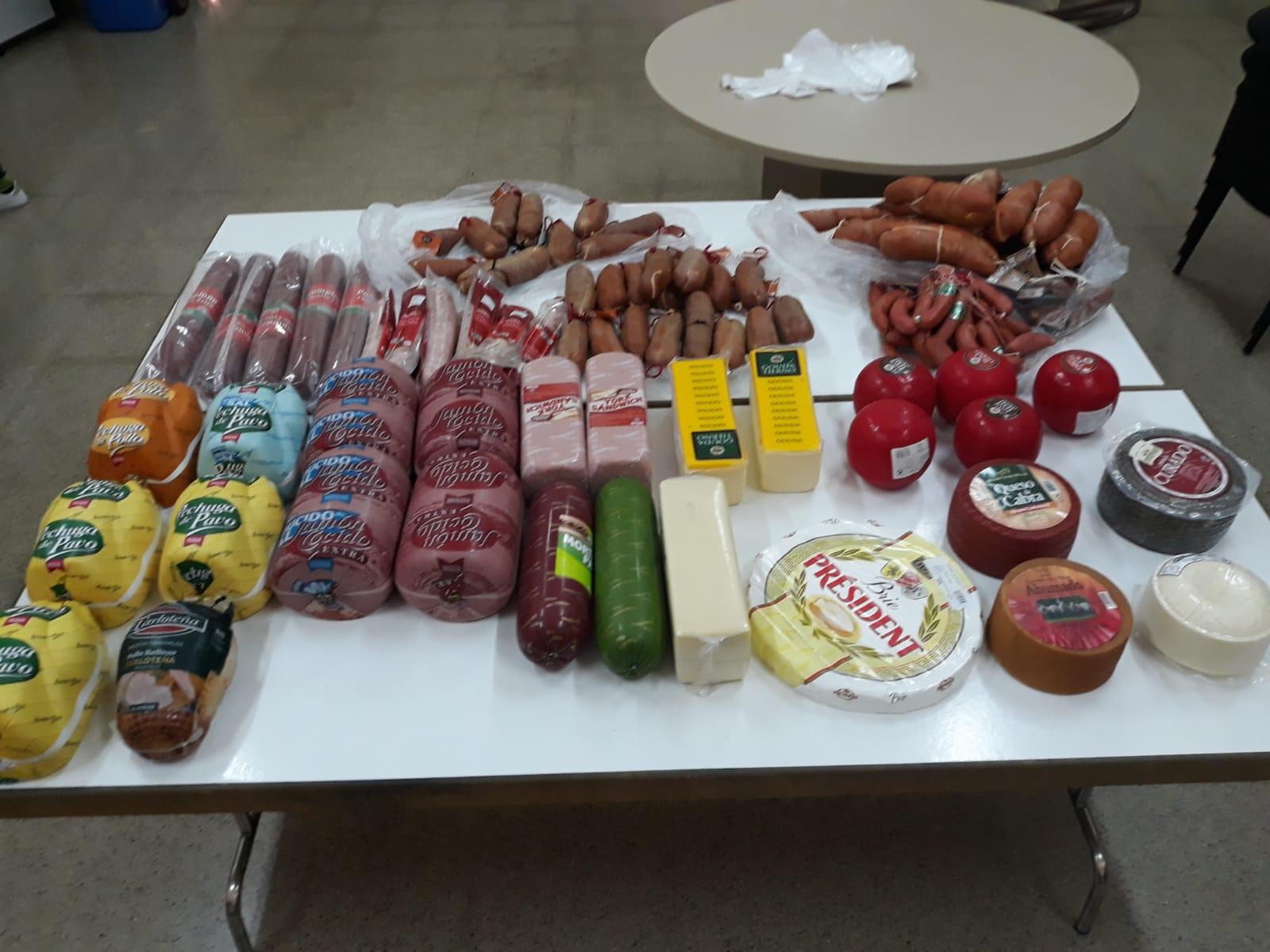 Cáritas i Ajuntament distribueixen 104 quilos de carn a 20 famílies El Periòdic d'Ontinyent