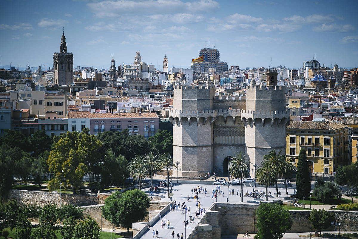 La reducción de la contaminación permite divisar el Campanar de la Vila des de València El Periòdic d'Ontinyent
