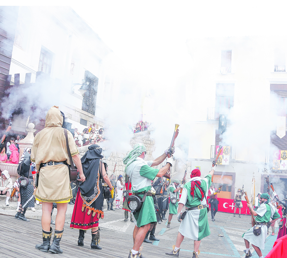 Consulta a les comparses per a que es pronuncien sobre les Festes El Periòdic d'Ontinyent