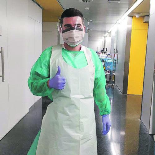 Sanitaris ontinyentins cara a cara amb el virus