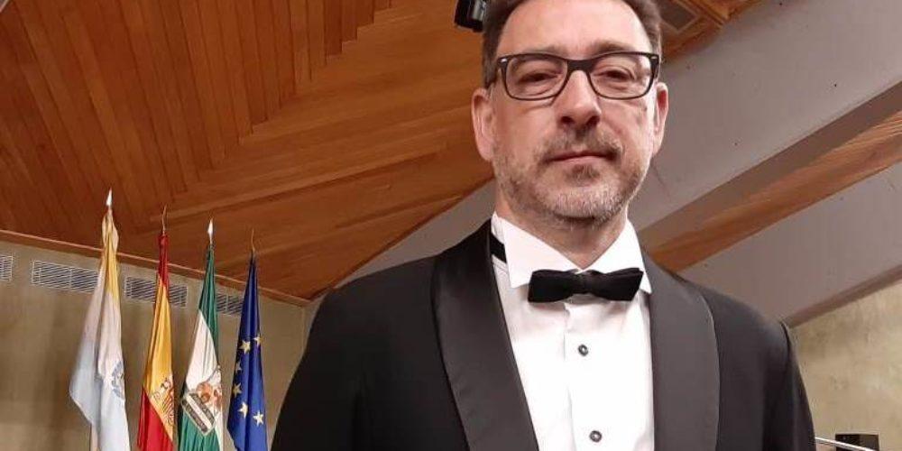 Miguel A. Sarrió es llicencia per la Royal School of Music de Londres