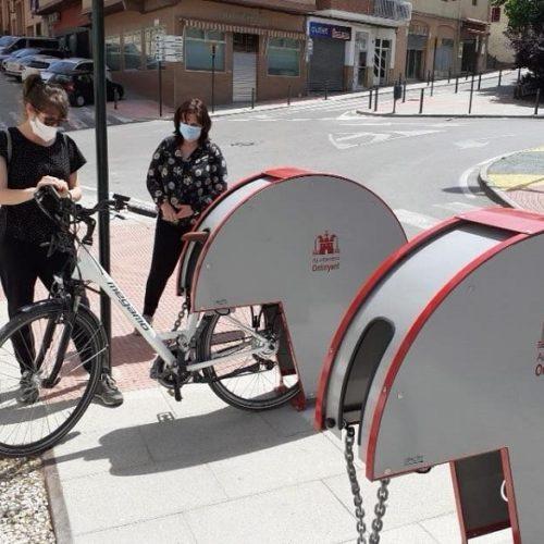 Instal·len 23 aparcabicis per a fomentar l'ús de la bicicleta en la desescalada