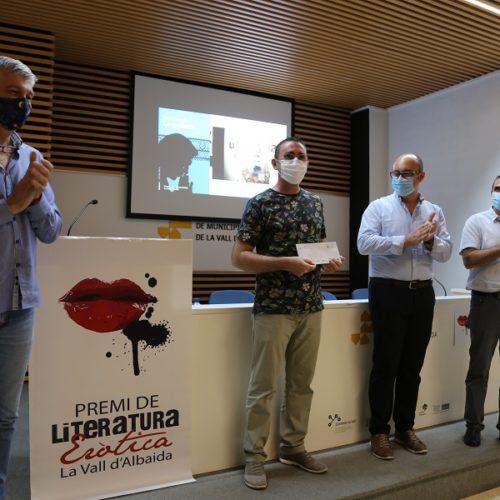 Vicent J. Sanz guanya el 26 Premi de Literatura Eròtica La Vall d'Albaida