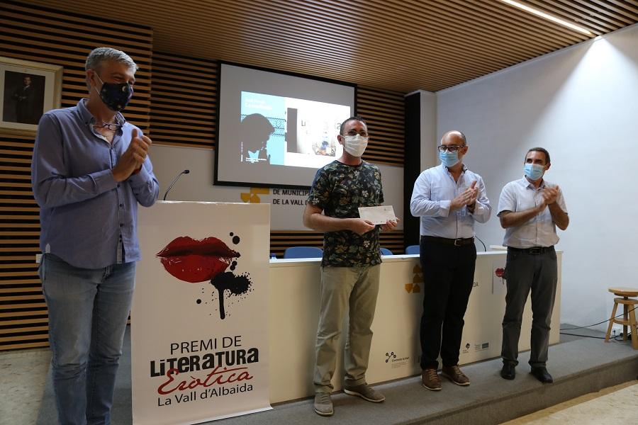 Vicent J. Sanz guanya el 26 Premi de Literatura Eròtica La Vall d'Albaida El Periòdic d'Ontinyent - Noticies a Ontinyent