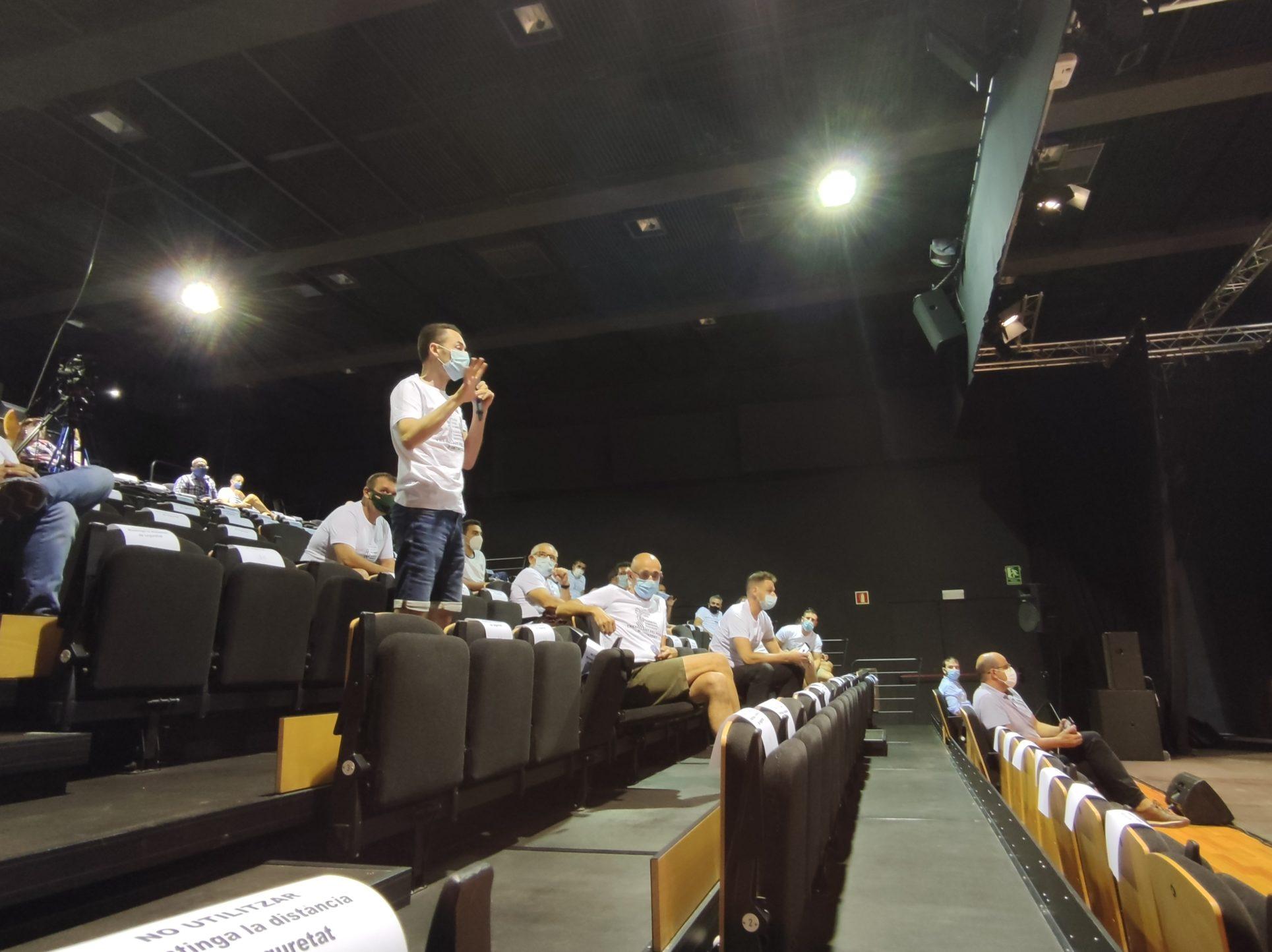 La Policia Local protesta al plenari i denuncia que no els han pagat hores extraordinàries El Periòdic d'Ontinyent - Noticies a Ontinyent