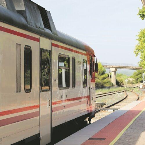 Sense data prevista per a recuperar el 100% del servei del tren Xàtiva-Ontinyent-Alcoi